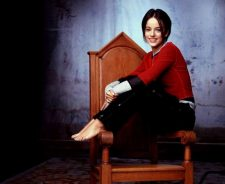 Alizee Red Shirt In Chair