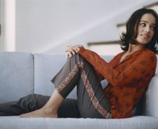 Alizee Red Shirt In Sofa