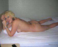 Amateur Blonde Housewife Posing Nude