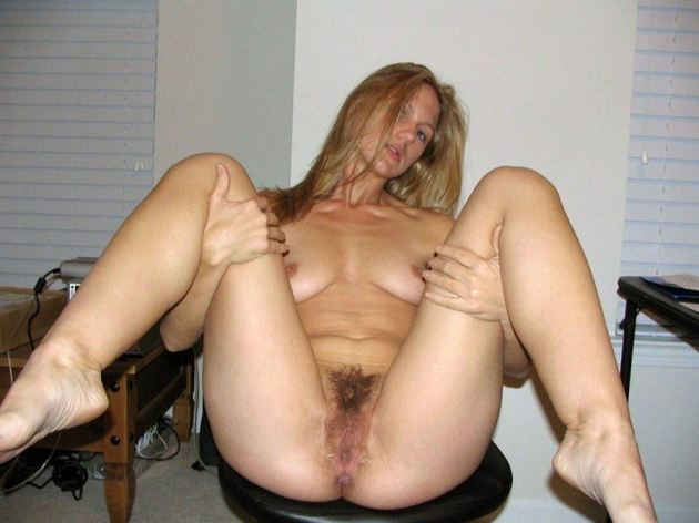Amateur Legs Spread Hairy Pussy
