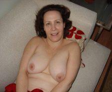 Amateur Wife Unaware Nude