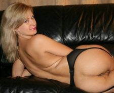 Amazing Blonde Amateur Milf Posing