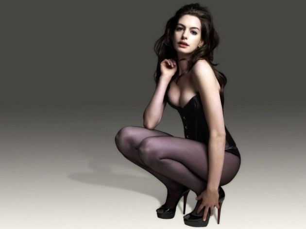 Anne Hathaway Hot Body