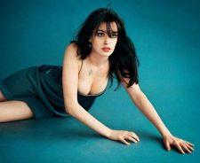 Anne Hathaway Sexy Postures
