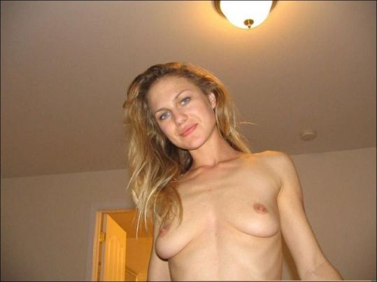Beautiful Milf Posing Nude