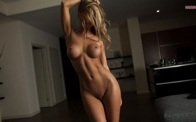 Beautiful Toned Body Naked Pussy Shaved Piercing Big Tits Girl Blonde