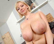 Big natural tits huge