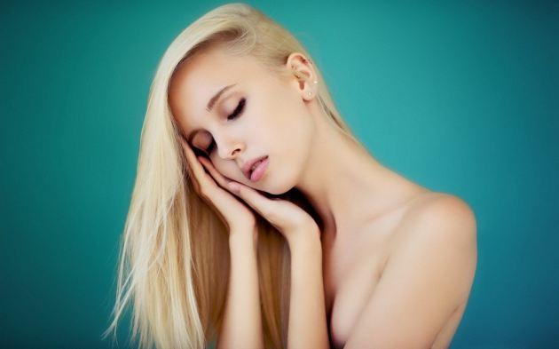 Blonde Girl Naked Teen