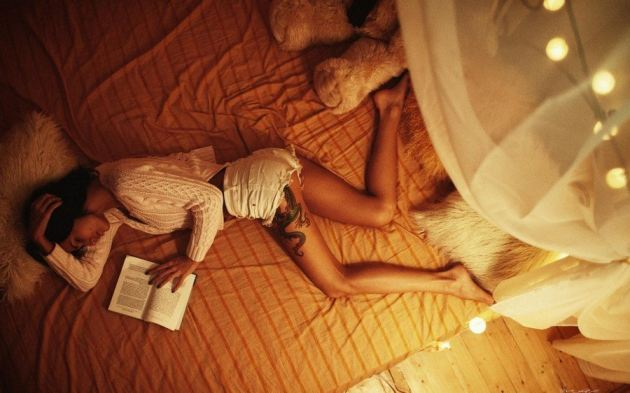 Book Girl Bed Sleeping Shorts Dragon Leg Tattoo Brunette