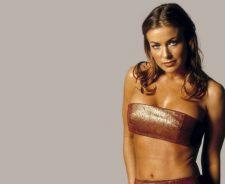 Carmen Electra Hot Bikini