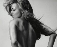Carmen Electra Hot Model Flowing Hairs