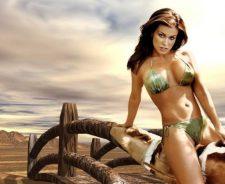Carmen Electra Sexy Bikini