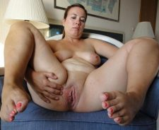 Chubby Mature Mom Hairy Pussy