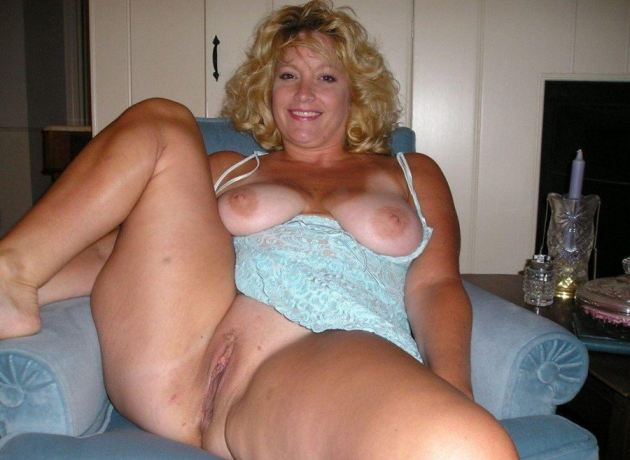 Chubby Mature Wife Porn