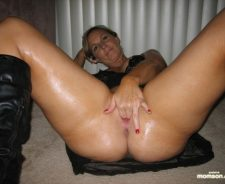 Curvy Mature Nude 40 Year Old Women