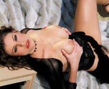 Ginger Jolie Nude Striptease