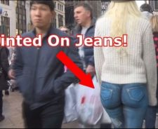 Girl Walks Around With No Pants Nyc