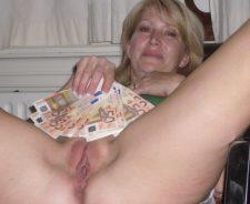 Homemade Horny Mature Woman