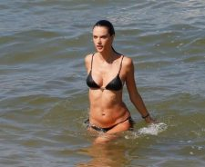 Hot Alessandra Ambrosio Showing Sexy Body