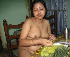 Hot Bangladeshi Aunties Nude