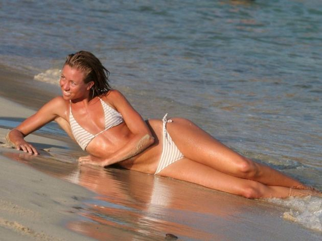 Hot Girl Laying In Water