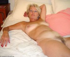 Hot Naked Blonde Mature Justine Posing On Bed