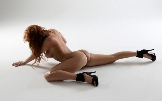 Hot Naked Body Glamour Model