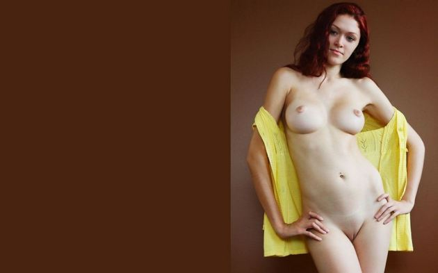 Hot Naked Girl In Pose