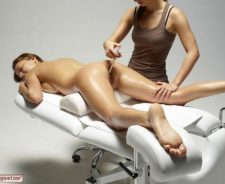 Hot Oil Massage Full Body Nude