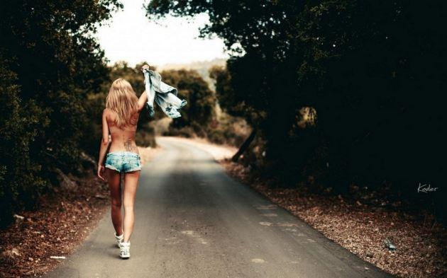 Jeans Sexy Skinny Body Girl Shorts Tattoo No Shirt Road