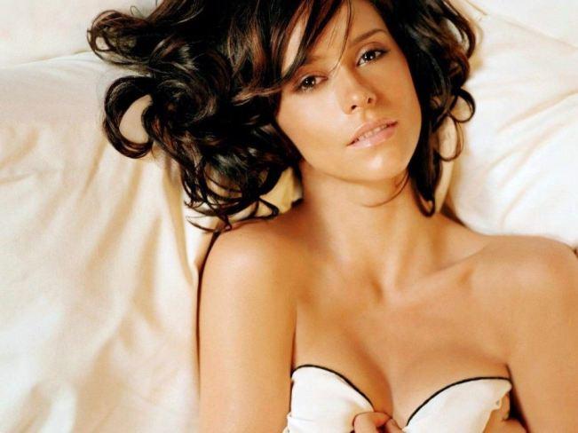 Jennifer Love Hewitt Hot