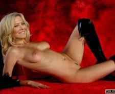 Julianne Hough Nude Photo