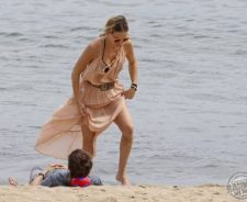 Kate Hudson Beach