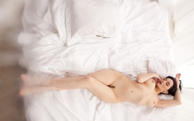 Katie Fey Lying Naked In Bed Pussy Hair Brunette Nice Body