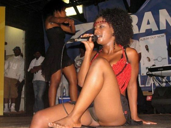 Kelly Khumalo Naked