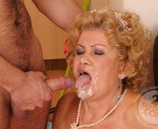 Lusty Grandmas Effie Granny