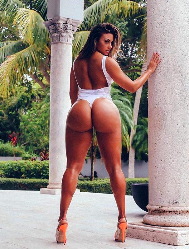 Maria Villalba ass from behind