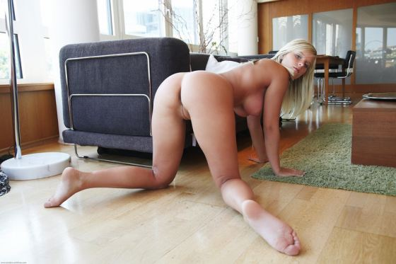 Miele Sexy Nude Blonde Babe And Her Perfect Ass Sexy Butt Ass