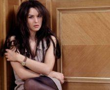 Monica Bellucci In Innocent Pose