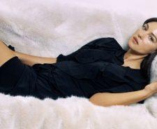 Monica Bellucci In Sofa