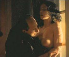 Monica bellucci nude boobs