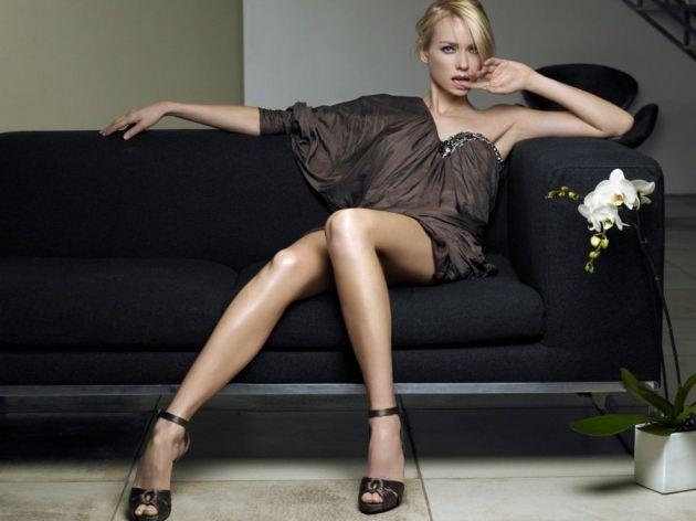 Naomi Watts Sexy