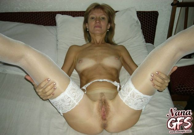 Naughty Mature Amateur Wives