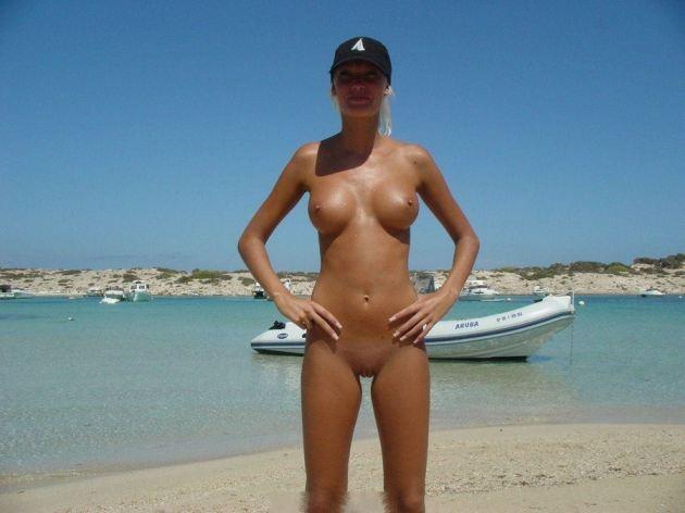 Nude Women On Beaches