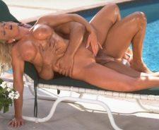 Porn Star Nikki Tyler Nude
