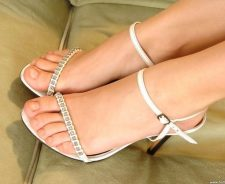 Pretty Feet And Toes In High Heels