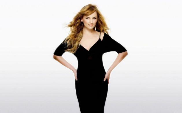 Rachael Leigh Cook In Black Dress