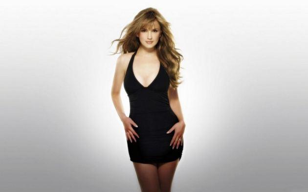 Rachael Leigh Cook In Black Dress 1 1