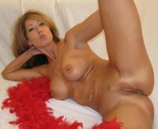 Sexy Mature Milf Shaved Pussy
