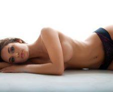 Sexy model Rosie Roff